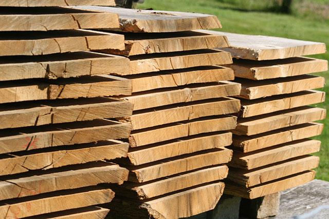 Arbeiten mit dem Naturmaterial Holz - Tischlerei Richardt