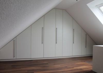 Kleiderschrank fürs Dachgeschoß