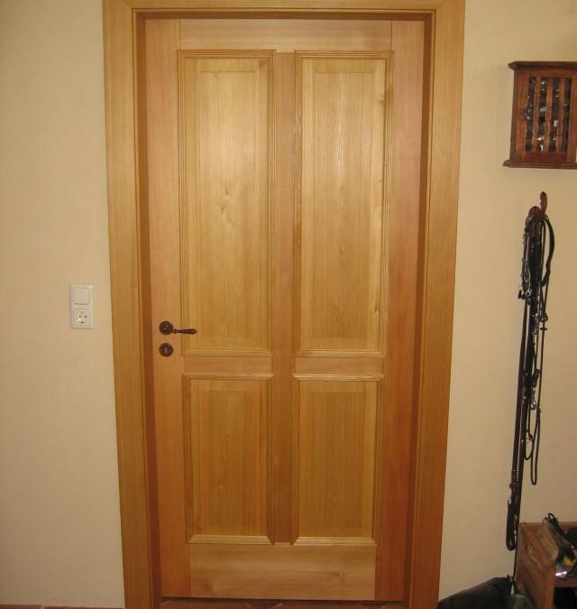 Zimmertür aus massiver Lärche