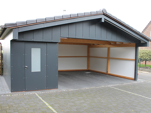 carport mit fahrrad und ger teschuppen. Black Bedroom Furniture Sets. Home Design Ideas