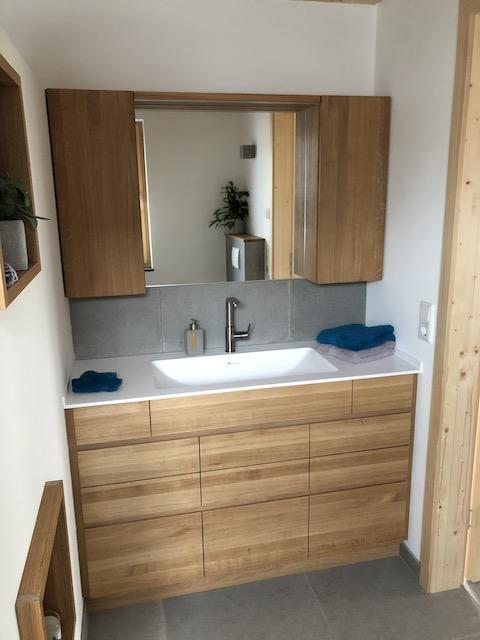 Badezimmermöbel aus Eiche Massivholz, Oberfläche geölt